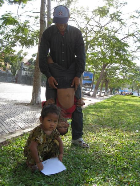 Rothana with his father and sister